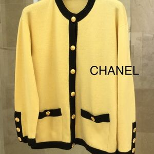 CHANEL cashmere jacket/cardigan Size 40 PERFECT